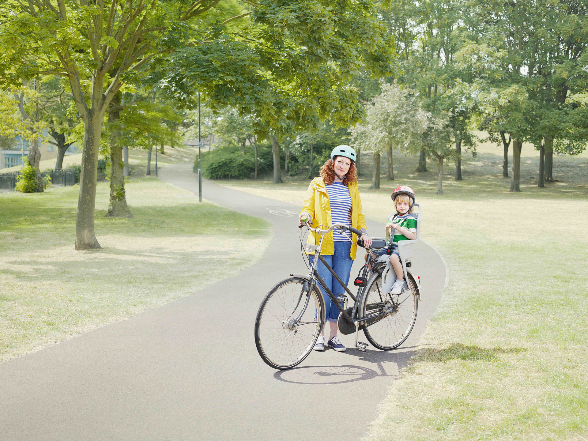 M&C Saatchi – Transport for London – woman and a child on a bike in the park – Shaw & Shaw Photography campaign – Shaw and Shaw advertising photographers