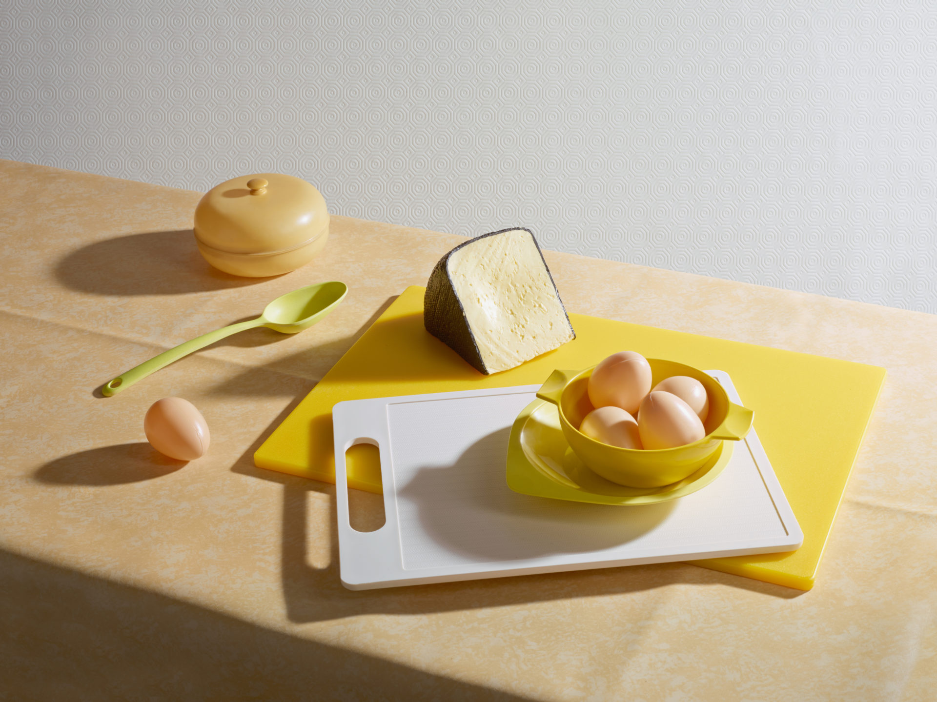 – Shaw & Shaw Photography – Shaw and Shaw Photographers Manchester – advertising photographers – graphic image – Plastic Egg And Cheese