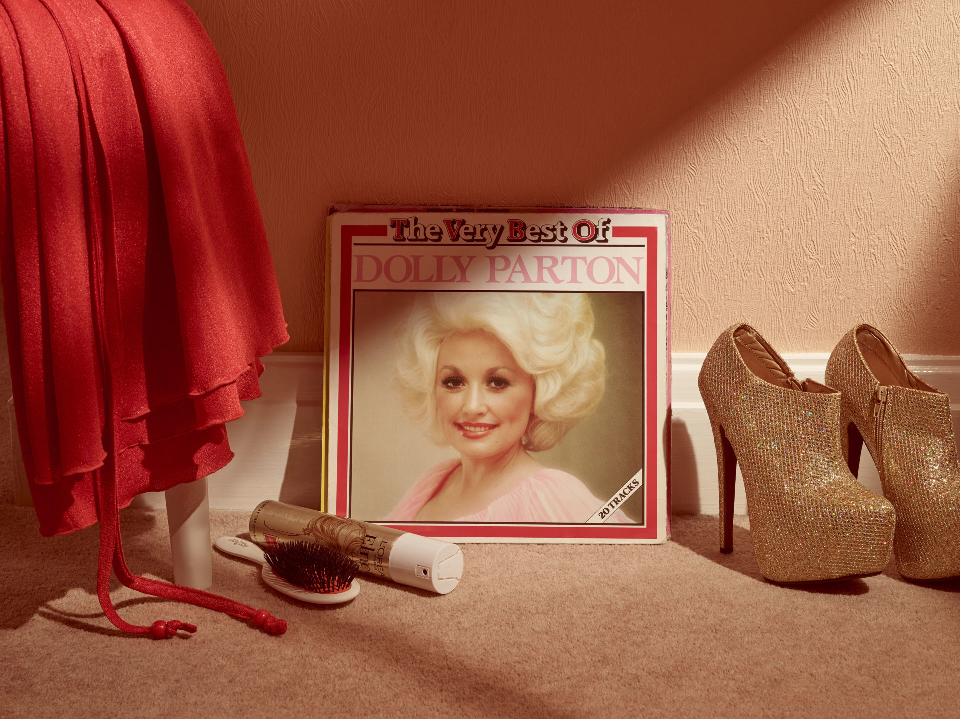 – Shaw & Shaw Photography – Shaw and Shaw Photographers Manchester – advertising photographers – graphic image – Dolly Parton Vinyl – record store day – The Very Best Of Dolly Parton