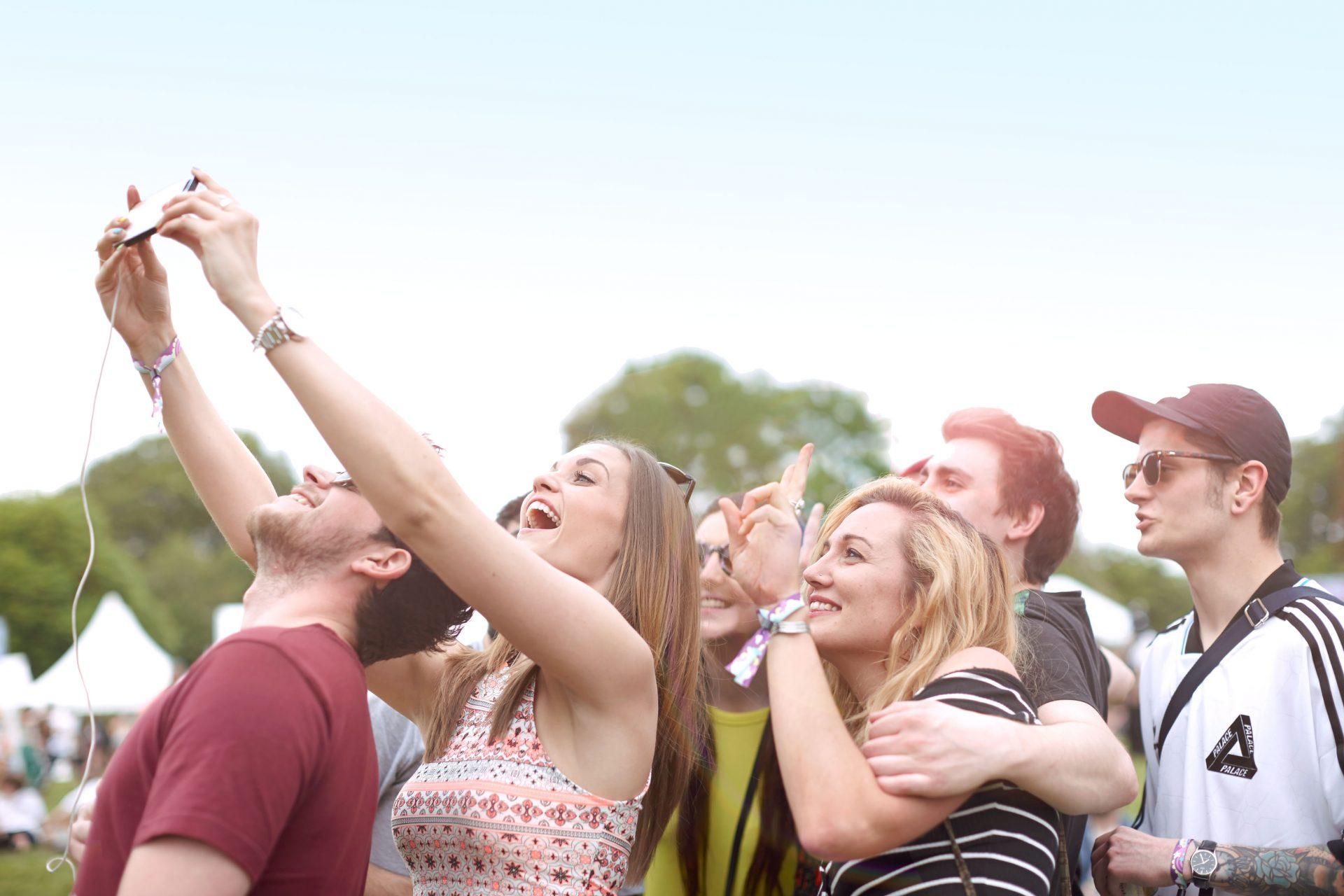 Shaw & Shaw – Festival Selfie